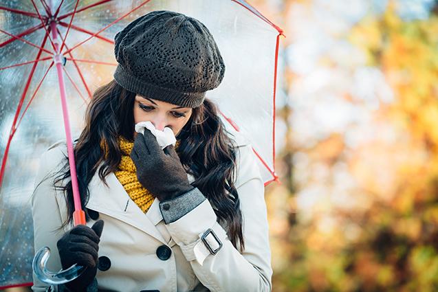 Tak ako všetko na tomto svete, aj jeseň má svoje plusy a mínusy. Ako sa vysmiať a pošliapať toto pre mnohých depresívne počasie alebo naopak ako zažiť jeseň netradične, no zároveň príjemne, sme vám predostreli v predchádzajúcich článkoch.