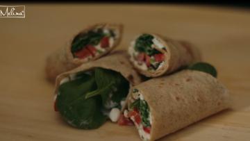 Domáci wrap plnený šťavnatým cottage cheese-om a zeleninou