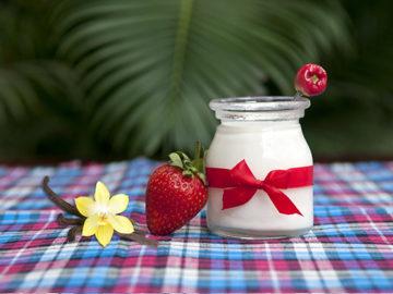 Jahodový a vanilkový tvaroh. Už aby ste ich mali doma. Najlepšie v bruchu!
