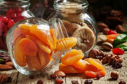 Prečo doraziť hody sušeným ovocím?